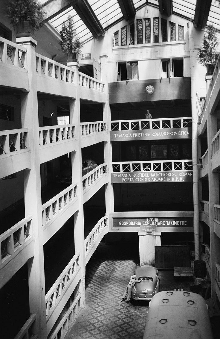 12 1956 garaj ciclop 01