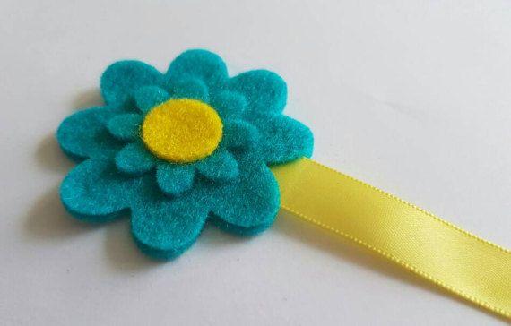 Check out this item in my Etsy shop https://www.etsy.com/uk/listing/497093530/felt-flower-bookmark-felt-bookmark