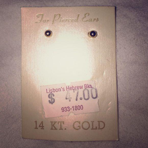 Starter 14 karat gold earrings Small 14 karat gold stud earrings. Great for starter earrings. Never worn before. Jewelry Earrings