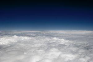 Será que o ar tem peso? Sim! Veja aqui e veja também experiências fáceis para a feira de ciências sobre pressão atmosférica.