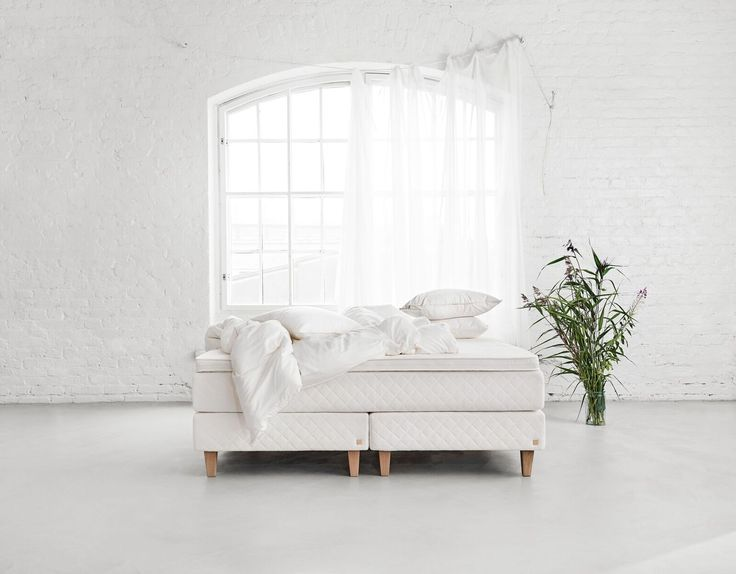 Our natural bed Hilja, inspired by Mother Nature. Only natural materials have been used in the bed, giving you a sleeping environment that is clean, breathable and safe.