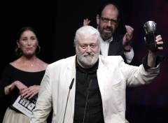 Mario Gas recoge el Max a  la Mejor Dirección de Escena. Imagen: RTVE #premiosmax #mariogas