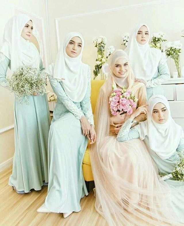 @Regrann from @theartofwalima - Gorgeous #bride #bridesmaids #hijabibride…