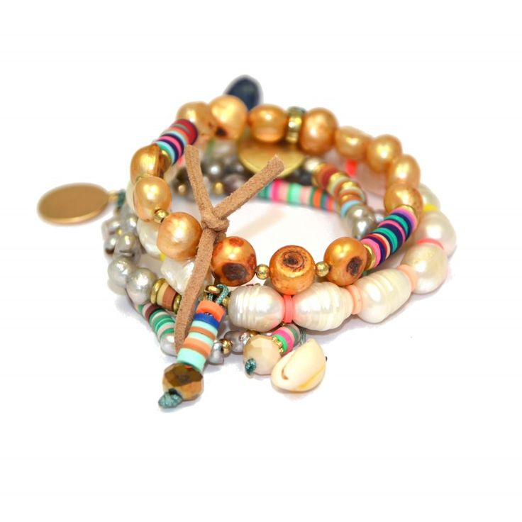Matières naturelles bracelet nacre et coquillages.