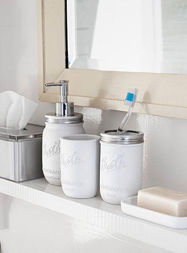 1000 images about pots masson sur pinterest pots salle for Decorer une salle de bain blanche