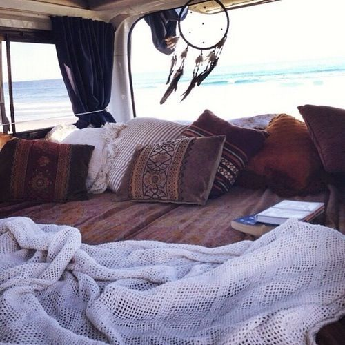 I want to live in a van down by the sea … with my dog Jack!  – Wohnwagen