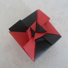 71 best images about d coration de table en origami f te mariage bapt me anniversaire on. Black Bedroom Furniture Sets. Home Design Ideas