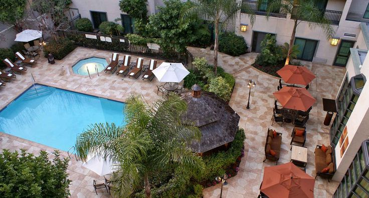 Hotel: Courtyard Los Angeles Pasadena/Old Town, the only Los Angeles area hotel in Old Town Pasadena. Walk to chic shopping, dining & entertainment. Play golf or visit famed LA attractions nearby.
