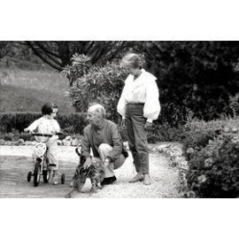 Photo De Louis De Funes En Famille 1982