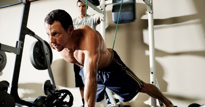 The Lance Armstrong Workout: How the world's greatest cyclist powered his way to the top—again—by strengthening his back and redefining his core.