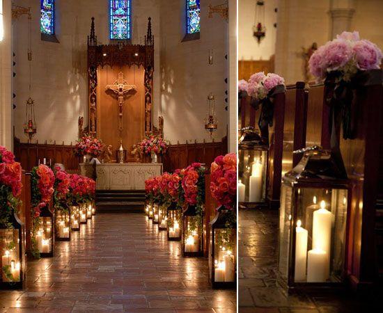05 kerzen hochzeitsdeko dekoideen kirchlich Altar heiraten in der kirche blume Hochzeit Deko Idee – Lichthochzeit mit Kerzen oder Lampen
