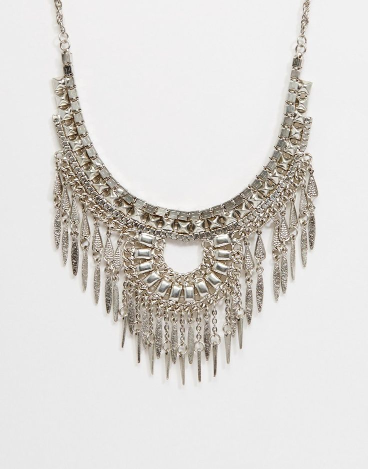 Met deze statement necklace maak je elke outfit af, en hij is ook nog in de uitverkoop! #sale #mode #accessoires #ketting #fringe #franje #dames #silver #sieraden #fashion #jewelry #accessories