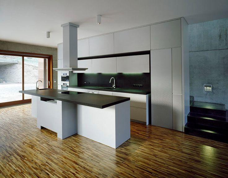 kitchen by lugi.cz (architect: Pavel Hnilička)