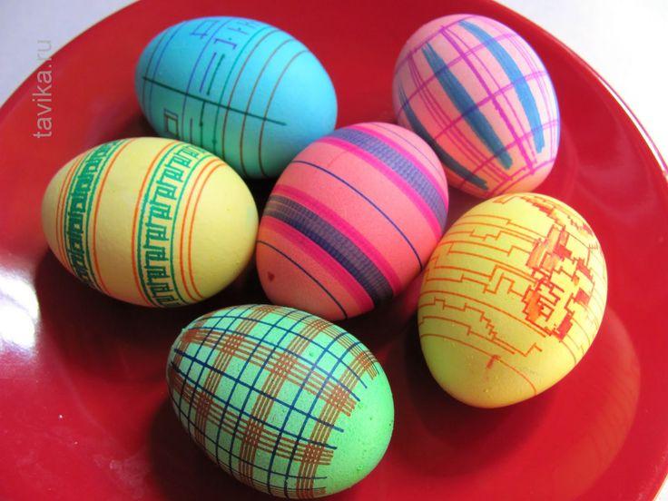 Необычный способ рисовать на яйцах