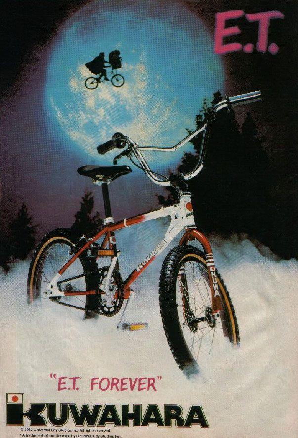 E.T - El BMX (Bicycle Moto Cross) se había puesto de moda a finales de los años 70 en EE UU, y Steven Spielberg se había dado cuenta de que necesitaba un montón de niños que montaran en bici, pues el guión contenía escenas de acción que involucraban varias bicicletas BMX circulando a tumba abierta.
