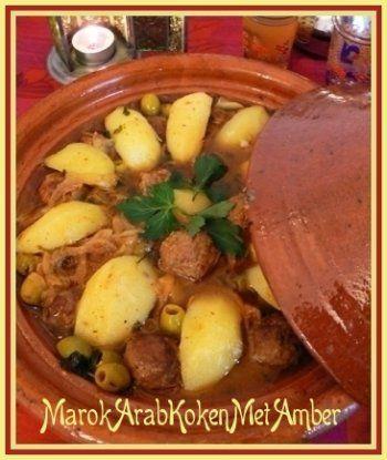 Dit recept wordt meestal gemaakt met kipmaar wist je dat je ook met gehakt een heerlijk resultaat krijgtDit heb je nodig500 gram runder of lams-gehakt2 fijngehakte uien3 tenen