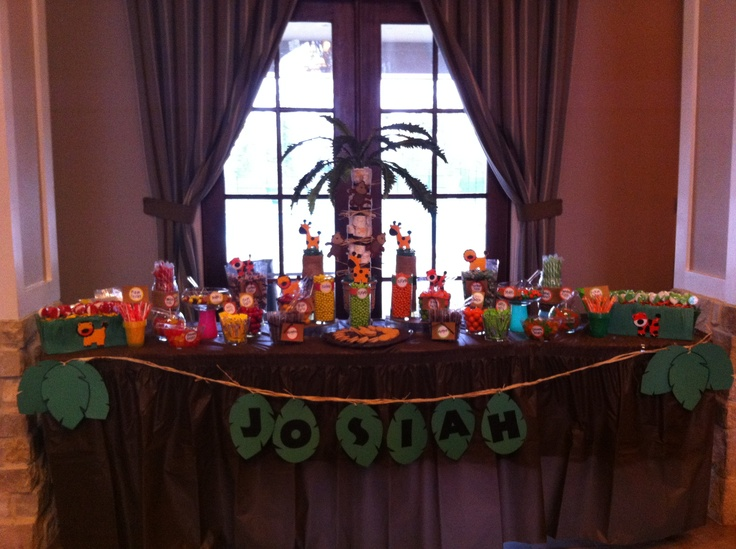 Candy buffet for a Safari themed babyshower I did this weekend.