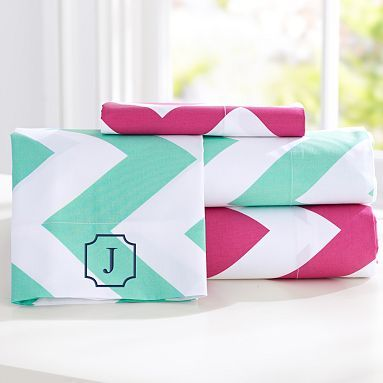 Chevron Sheet Set #pbteen ... I know Minnie is not chevron stripe but polka dot HOWEVER that pink is so cute
