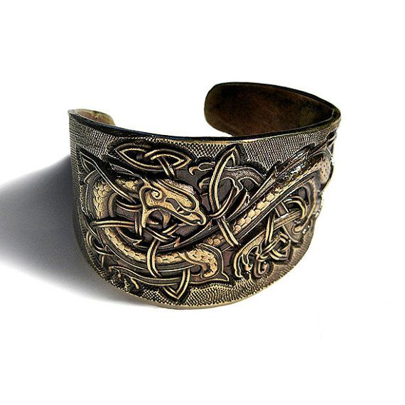 Les 25 meilleures id es de la cat gorie dragon viking sur pinterest tatouage de dragon viking - Bracelet viking homme ...