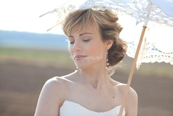 Une ombrelle pour votre look de mariée