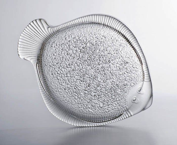Eryka and Jan Drostowie, Fish, stand, designed by Jan Sylwester Drost, produced by the Ząbkowice Household Glass Works in Ząbkowice Śląskie, 1972, collections of the National Museum in Warsaw, photo: Michał Korta - photo 1