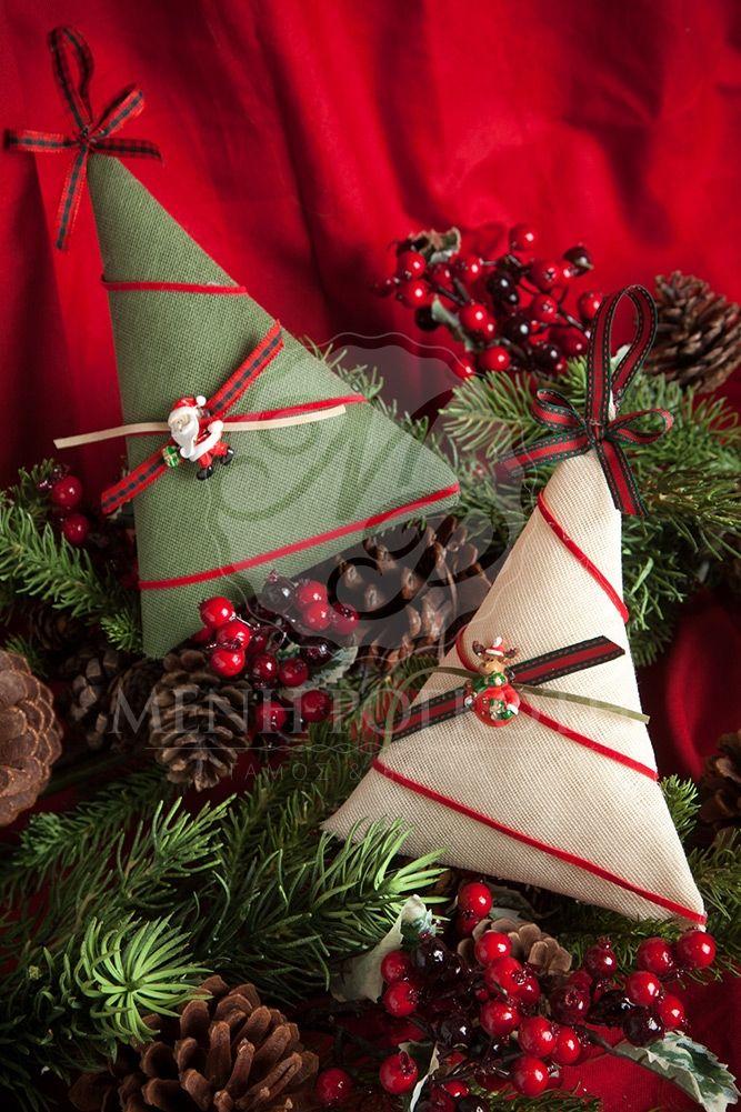 Χριστουγεννιάτικη μπομπονιέρα βάπτισης χειροποίητα δεντράκια με διακοσμητικό, χριστουγεννιάτικες μπομπονιέρες βάπτισης #christmasfavors #handmadefavors #christmasdecorations #christeningfavors