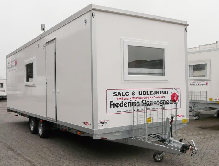 Type 33L  Beboelsesvogn med 2 soveværelser, køkken, toilet og bad.