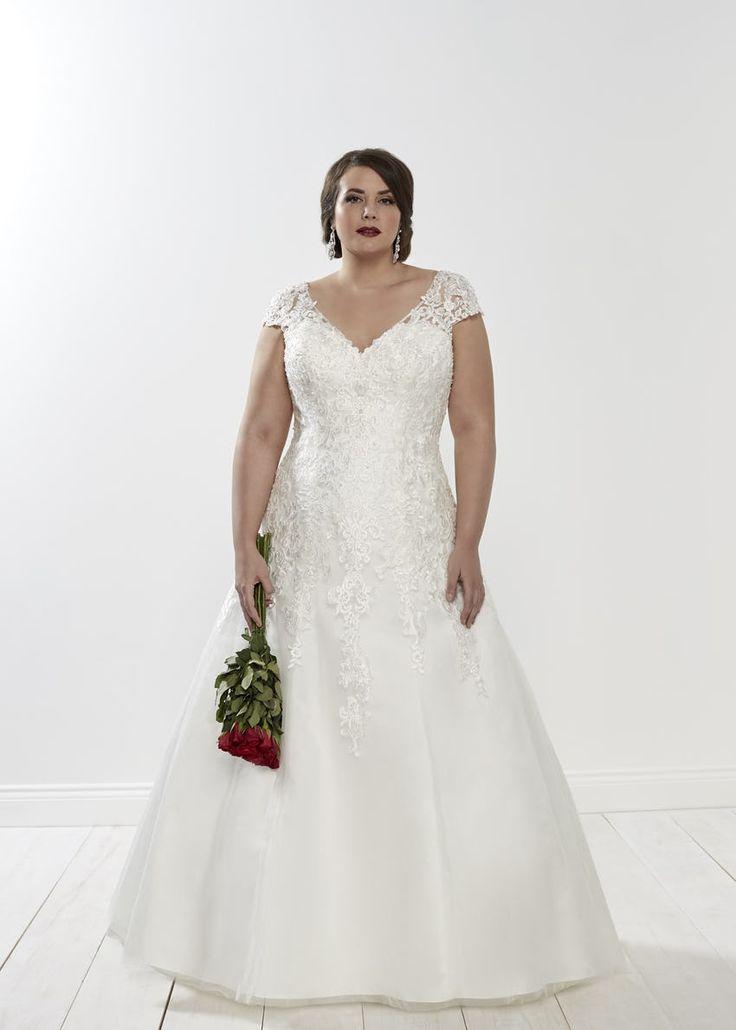 The 25 best Empire silhouette ideas on Pinterest  Wedding dress body type Empire style