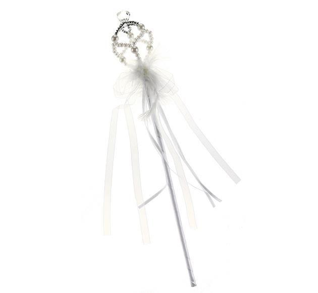 Różdżka dla księżniczki w kolorze białym, zakończona perłową koroną.