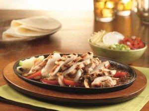 Le fajitas di pollo sono uno dei piatti più apprezzati tra quelli della tradizione messicana. Le fajitas possono essere di pollo ma anche di manzo o di maiale.