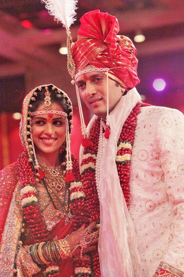 5 Interesting Indian Wedding Traditions - OYO Blog  |Hindu Marathi Wedding