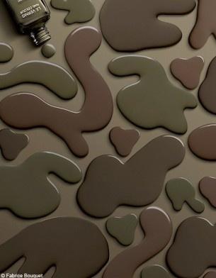 Chanel - vernis à ongle Kaki Rose - Kaki Brun - Kaki Vert >> épinglé par Mayoparasol ®, maillots de bain anti UV et vêtements anti UV - Visitez mayoparasol.com