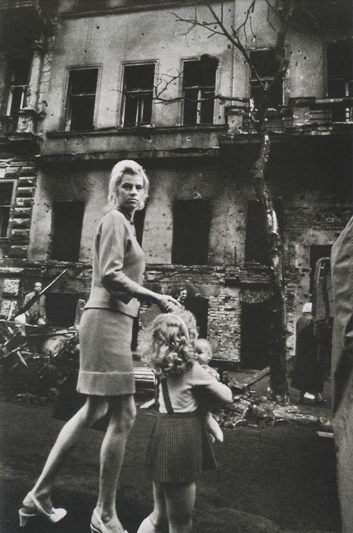 by Josef Koudelka - Prague (1968)