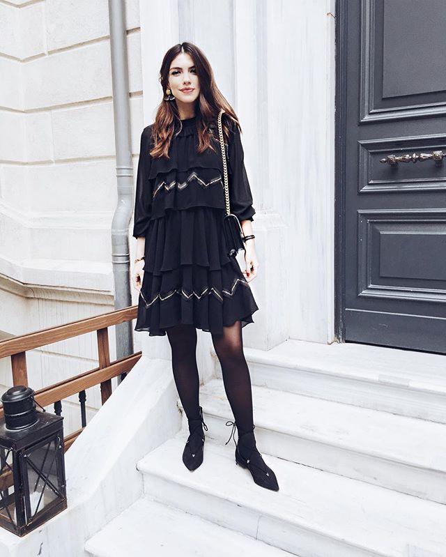 WEBSTA @ maritsanbul - Today  @koraycaner ve @phytoturkiye ile günün ikinci durağı Soho'dan sonra mağazaya dönüş vakti  Çok sevdiğim @lugvonsiga elbisem de kış koleksiyonundan, bu elbise kalmamış olsa da bu sezonun en iyi @lugvonsiga parçaları #maritsastore da