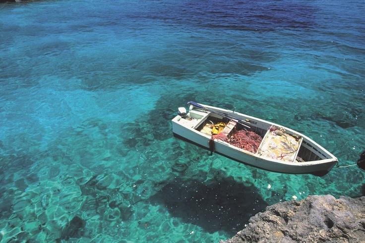 Marina di Pulsano E' arrivata l'#estate: vi viene voglia di tuffarvi in questo #mare cristallino? Non frenatevi! Vi aspettiamo in #Puglia