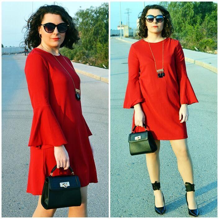 Vestido rojo mangas campana - Temporada: Otoño-Invierno - Tags: vestido, rojo, campana, negro, lady,  - Descripción: Vestido rojo con mangas acampanadas http://mivestidoazul.com/looks/vestido-rojo-mangas-acampanadas/ #FashionOlé