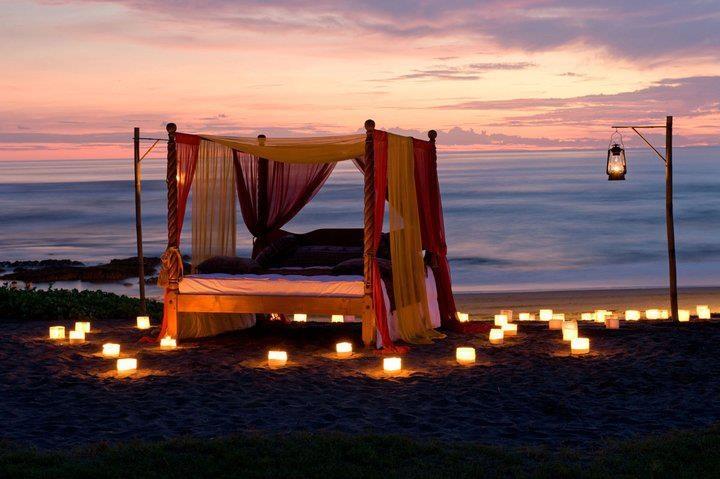 romantic night at the beach ♥