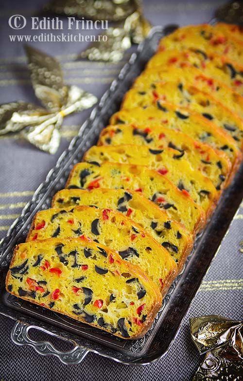 Chec aperitiv cu masline, cascaval si gogosar murat - rapid si delicios, ideal pentru micul dejun, o gustare sau pentru o masa festiva.
