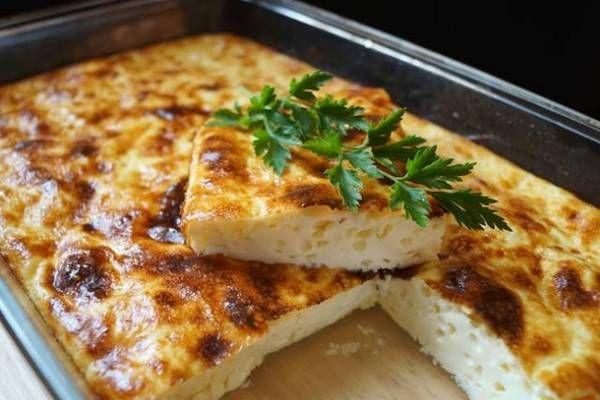 Простой омлет с сыром в духовке