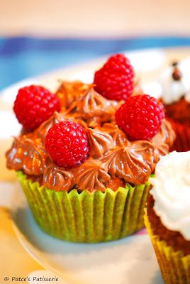 Patce's Patisserie: Zitronen Cupcakes mit Schoko-Frosting