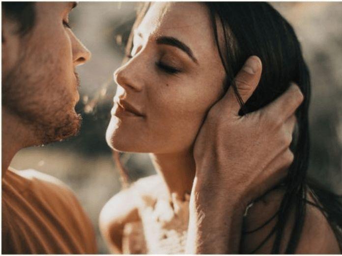 5 tekenen dat een man met je flirt – #dat #ÉÉN #Flirt #Je #man #met