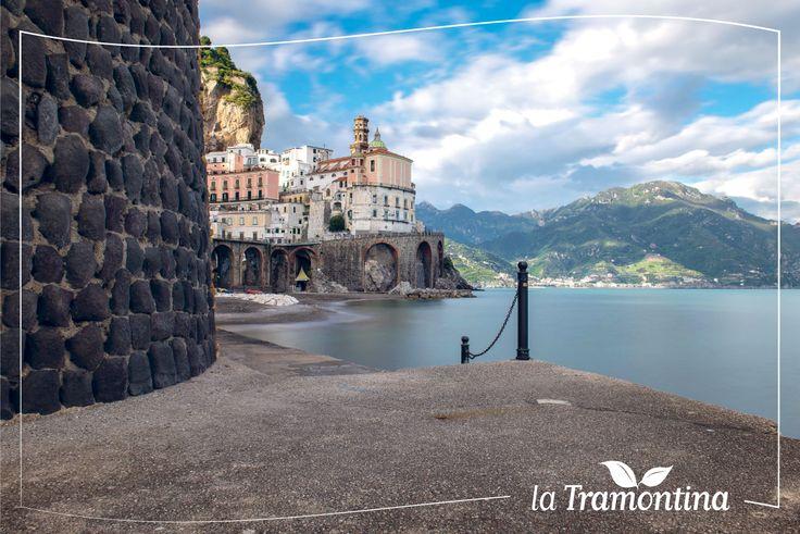 Vi auguriamo una splendida #Domenica con un'immagine della nostra #CostieraAmalfitana  Conoscete un posto più bello? #Atrani #Amalfi #Coast