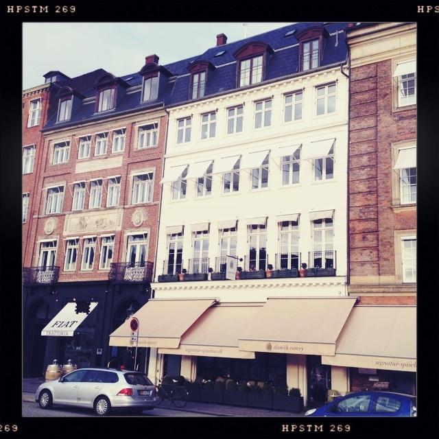 http://www.travelhabit.dk/a-beautiful-day-in-copenhagen/img_6401/