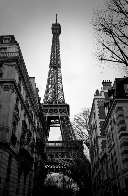 Eiffel Tower karlbischoffTours Eiffel, Dreams Places, Dreams Vacations, Eiffel Towers, Paris France, Black White, Dreams Come True, Artichokes Dips, Dreams Destinations