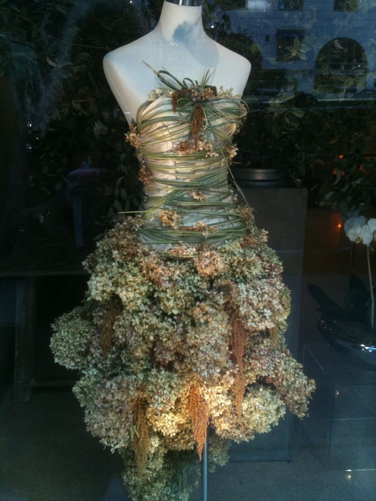 """I saw this """"dress"""" in the window of a Park Avenue florist and was mesmerized...:"""