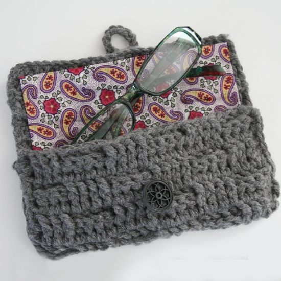 I should try making this myself. Crochet Eyeglass Case Free Crochet Pattern from The Yarn Box