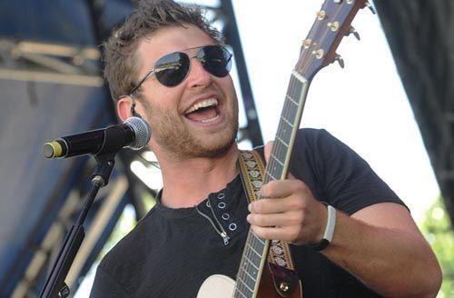 Brett Eldredge - Country Music Rocks!