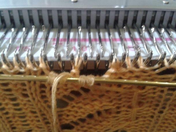 . « Bosses » sur la machine à tricoter. MK.