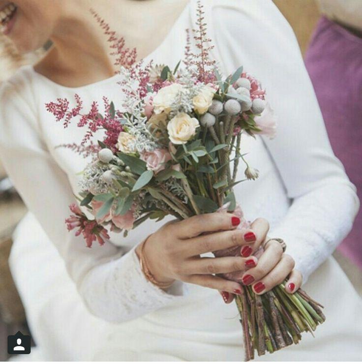 Flechao #innovias, un ramo de novia silvestre de lo más elegante https://innovias.wordpress.com/2016/01/25/flores-de-boda-low-cost-ii-flores-silvestres-en-el-ramo-de-novia-by-innovias/