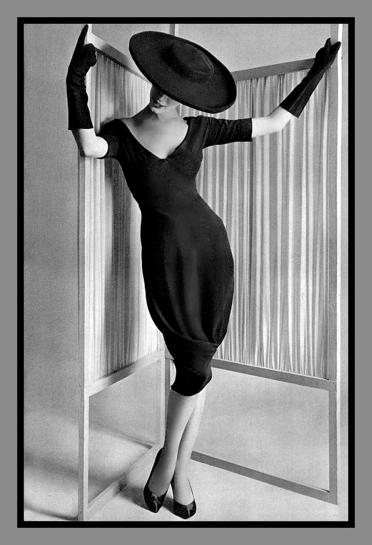 Simone D'Aillencourt in Grès  1958  Photo by Philippe Pottier  High Low Vintage  (Source: mote-historie)